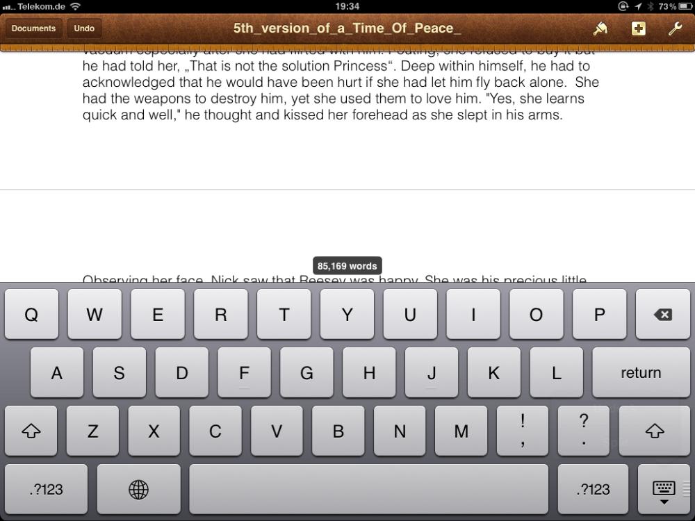 Splitting Your Virtual Keyboard on the First Generation iPad (3/5)