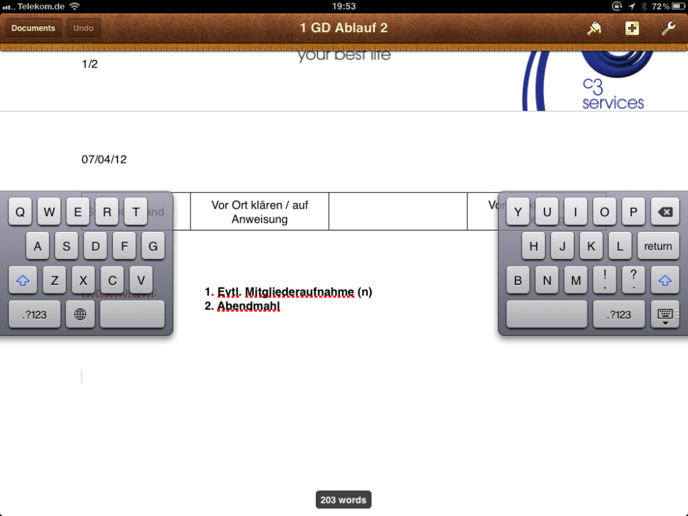 Splitting Your Virtual Keyboard on the First Generation iPad (4/5)